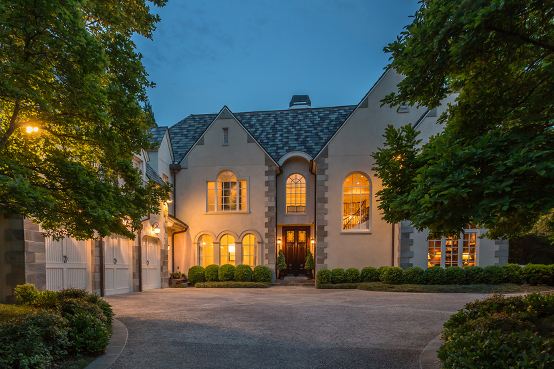 一戸建て のために 売買 アット Elegant And Private Buckhead Estate In Quiet Neighborhood 3915 The Highlands Buckhead, Atlanta, ジョージア, 30327 アメリカ合衆国