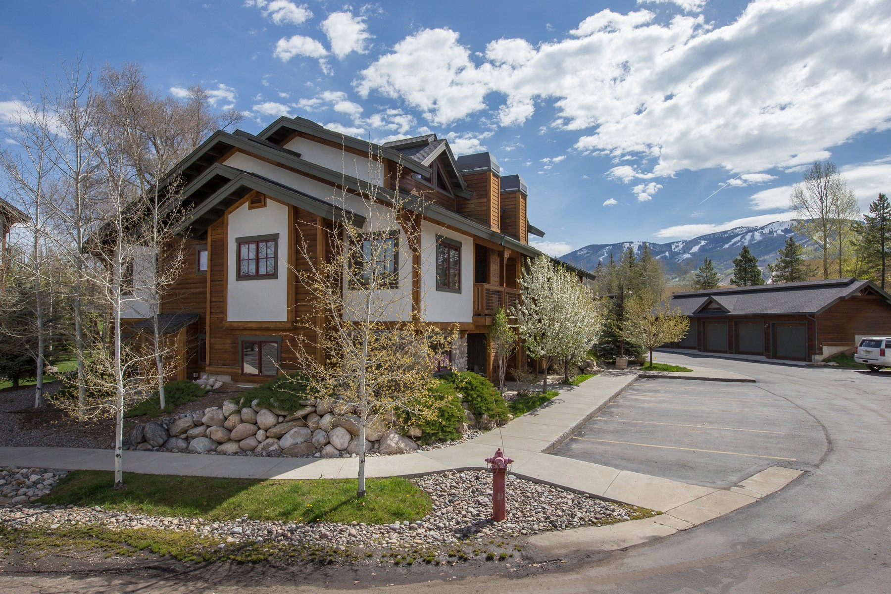 Stadthaus für Verkauf beim Pines at Ore House Condo 420 Ore House Plaza #101 Steamboat Springs, Colorado 80487 Vereinigte Staaten