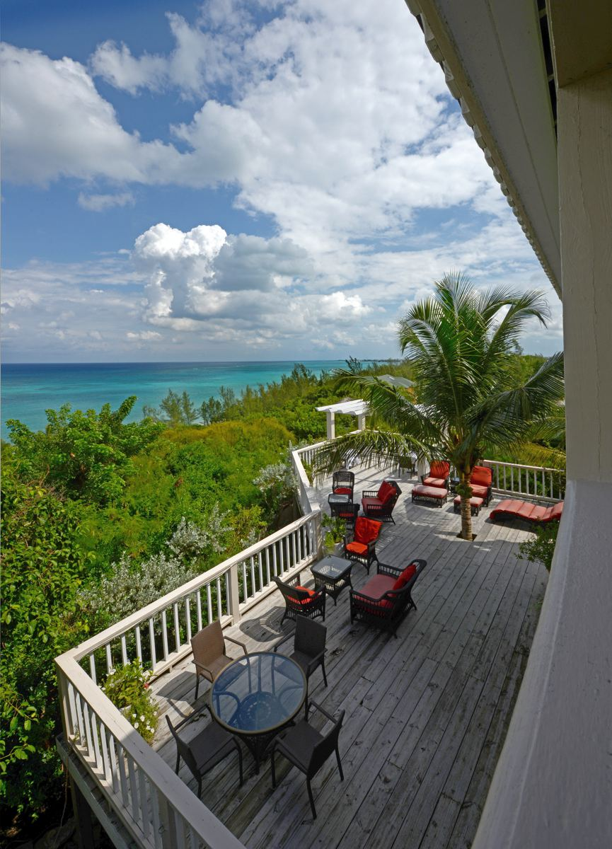Additional photo for property listing at Hotel in Western Area of New Providence A Stone's Throw Away Western Area West Bay Street, Nassau And Paradise Island 0 Bahamas