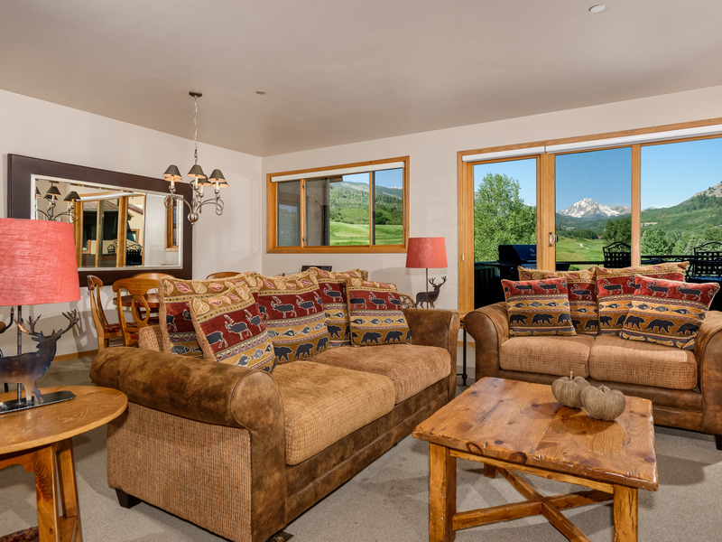 Condominio per Vendita alle ore Country Club Villa 1622 150 Snowmass Club Circle 1622 Snowmass Village, Colorado 81615 Stati Uniti