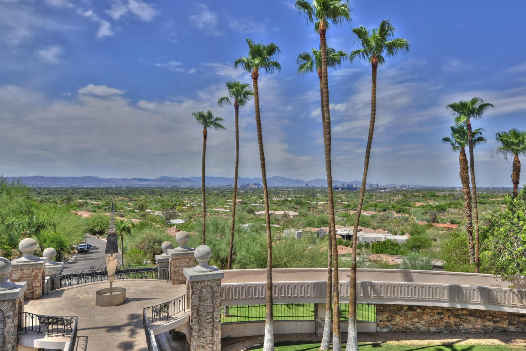 土地 のために 売買 アット Magnificent 5.97 acres with amazing views 6112 N Paradise View DR #1 Paradise Valley, アリゾナ, 85253 アメリカ合衆国