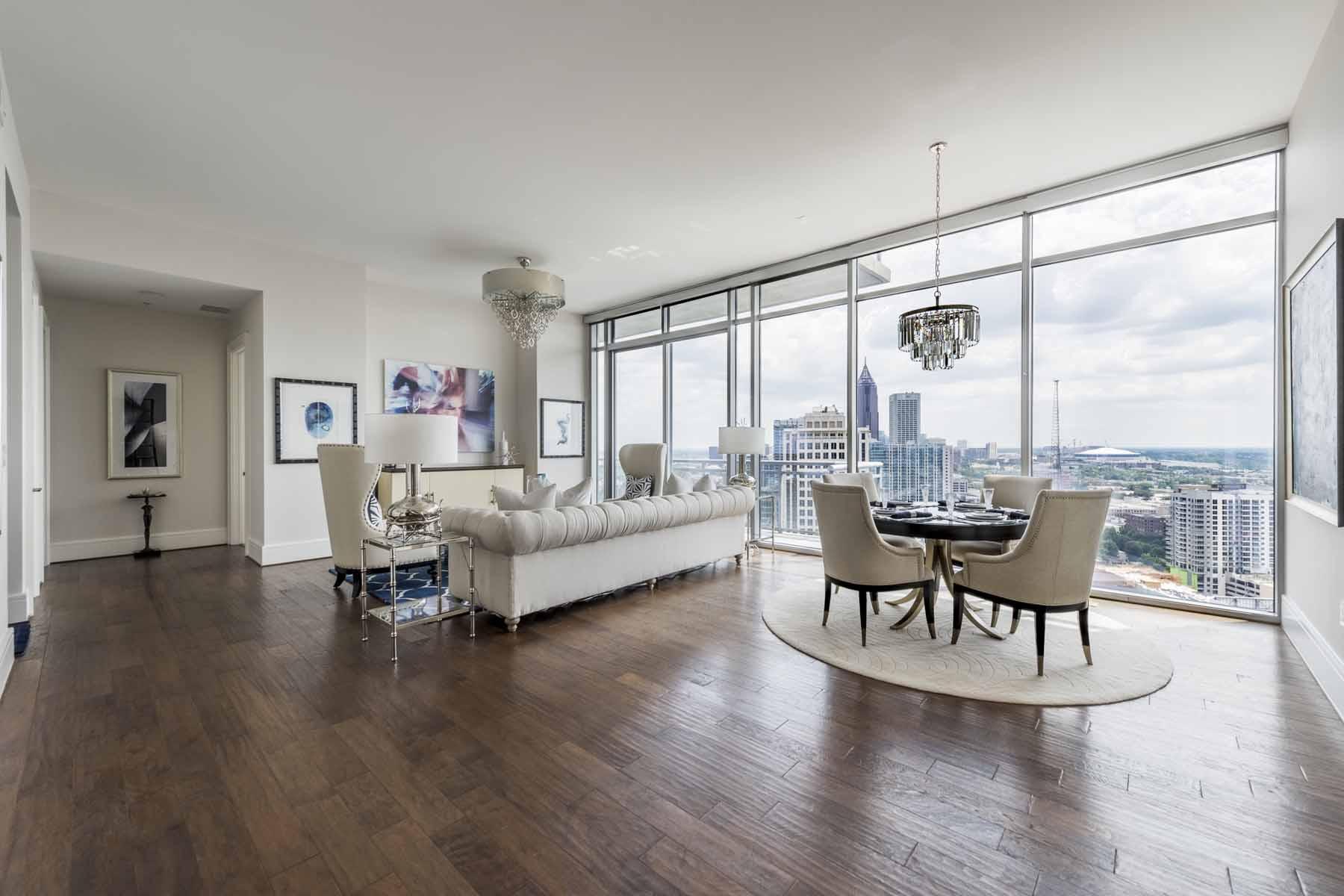 Appartement en copropriété pour l Vente à Two Bedroom in Hip Intown Location 1065 Peachtree Street NE No. 3203 Atlanta, Georgia, 30309 États-Unis