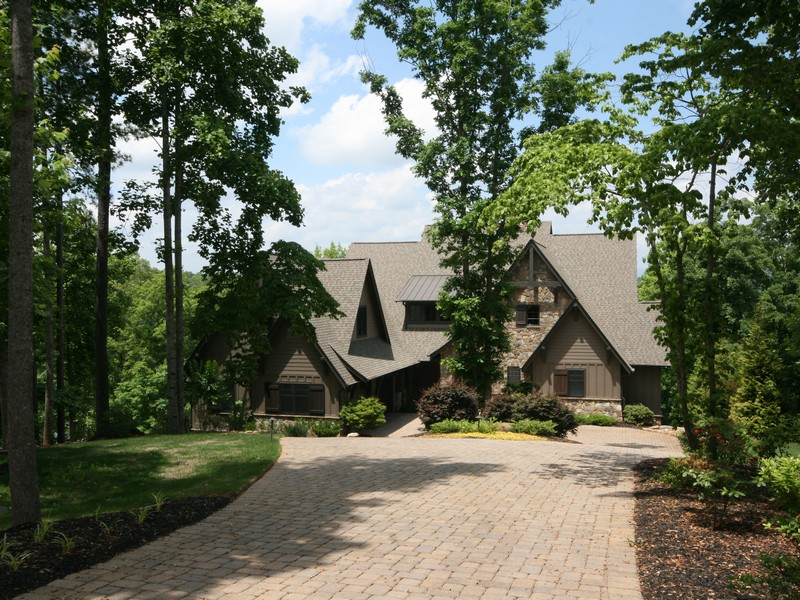 Single Family Home for Sale at Marries Casual Lake Living with Every Modern Convenience 136 Cedar Bluff Court The Highlands On Lake Keowee, Six Mile, South Carolina 29682 United States