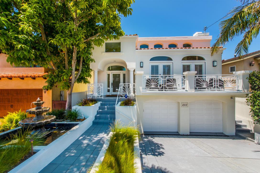 Vivienda unifamiliar por un Venta en 2313 Pine Avenue Manhattan Beach, California 90266 Estados Unidos