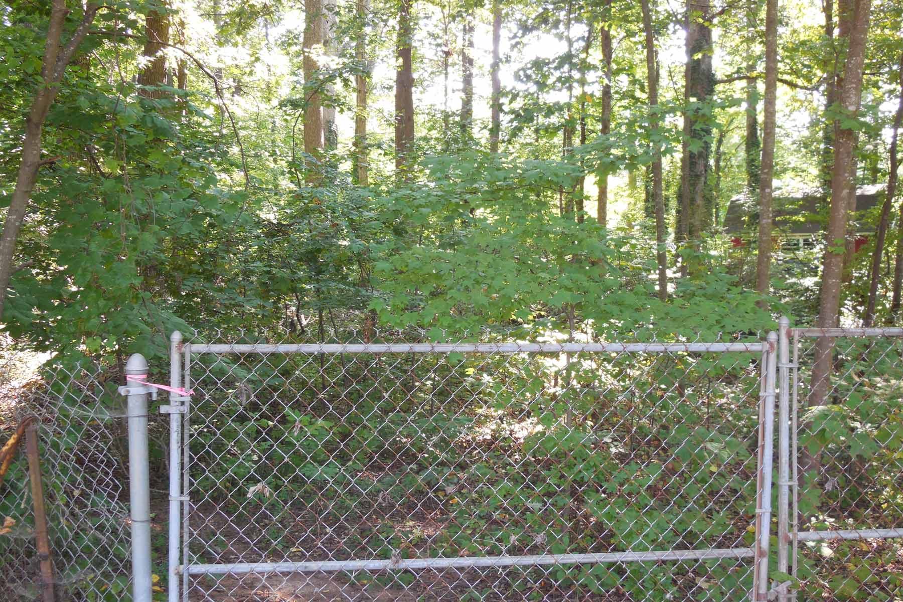 Terreno por un Venta en Lot Opportunity in Historic Norcross 0 Reps Miller Road Norcross, Georgia, 30071 Estados Unidos