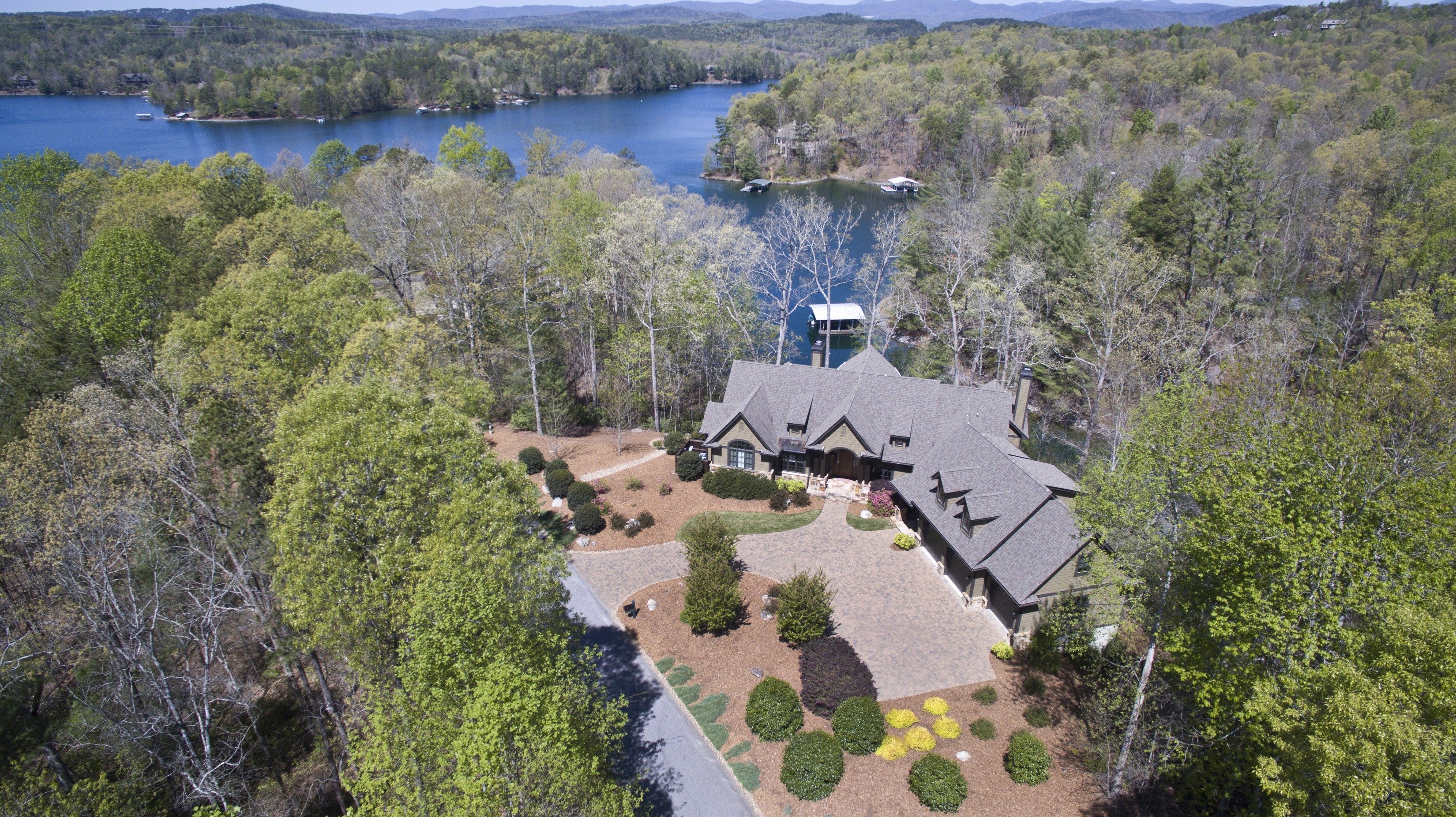 Single Family Home for Sale at Casually Elegant Vineyards Waterfront Retreat 110 Red Buckeye Trail The Cliffs At Keowee Vineyards, Sunset, South Carolina, 29685 United States