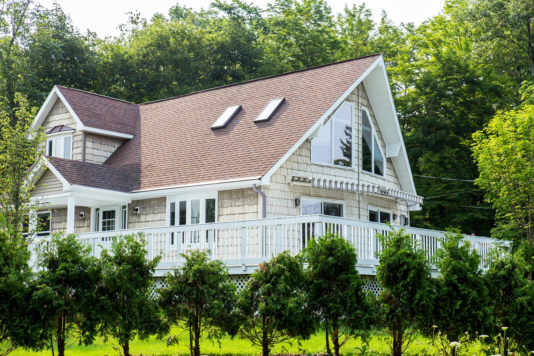 Nhà ở một gia đình vì Bán tại Saratoga Lake Contemporary Gem 1110 Route 9P Saratoga Springs, New York 12866 Hoa Kỳ