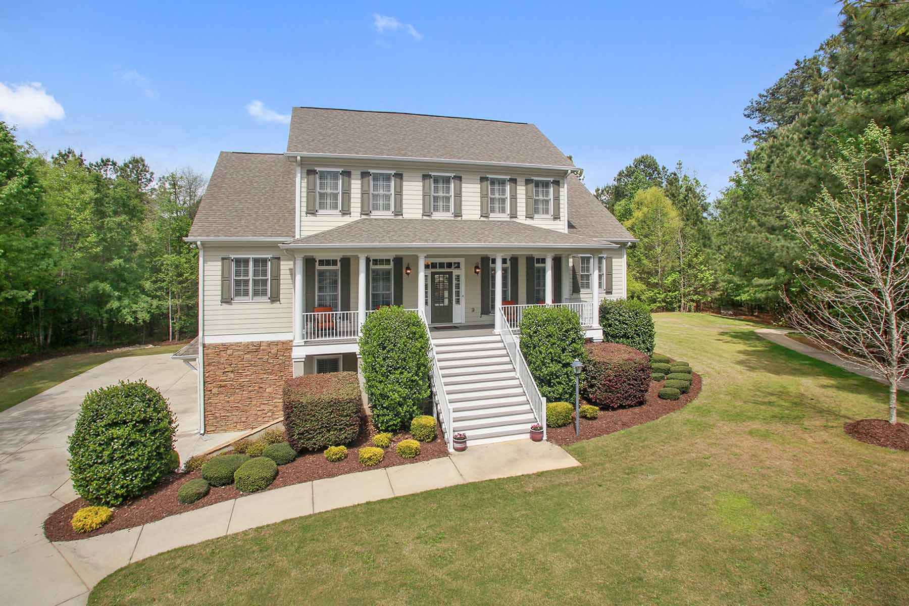 Single Family Home for Active at Spectacular Highgrove Estate 275 Trotters Ridge Fayetteville, Georgia 30215 United States
