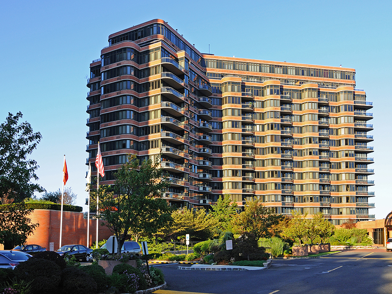 Condominium for Sale at Carlyle Towers 100 Winston Dr 4M N Cliffside Park, New Jersey 07010 United States