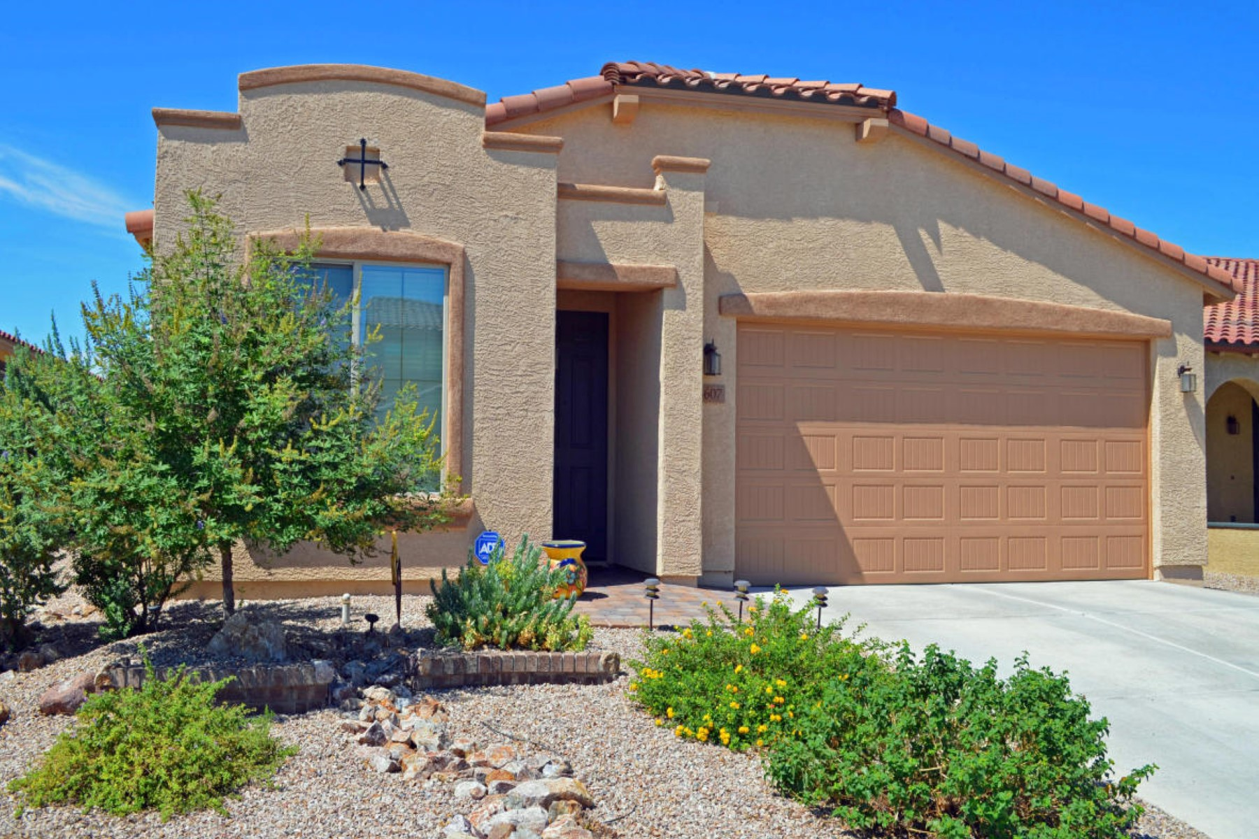 Maison unifamiliale pour l Vente à Beautifully built 2012 Maracay home 8607 N Western Juniper Te N Tucson, Arizona 85743 États-Unis