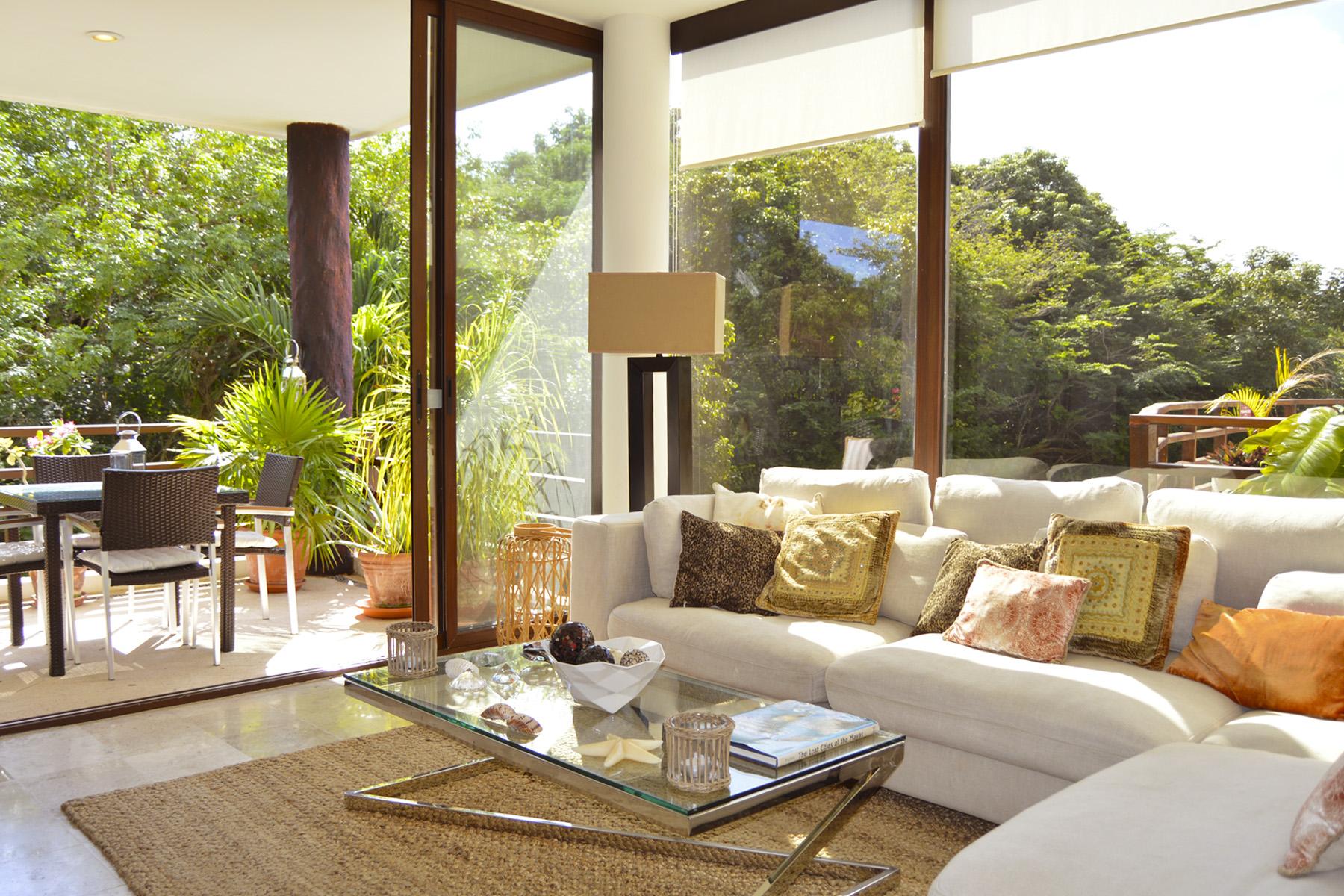 Apartamento por un Venta en AKOYA LUXURY CONDO Akoya, Villas Pakal Ret 3 Chichenitza Lot 19 Mza 16 Playa Del Carmen, Quintana Roo, 77710 México