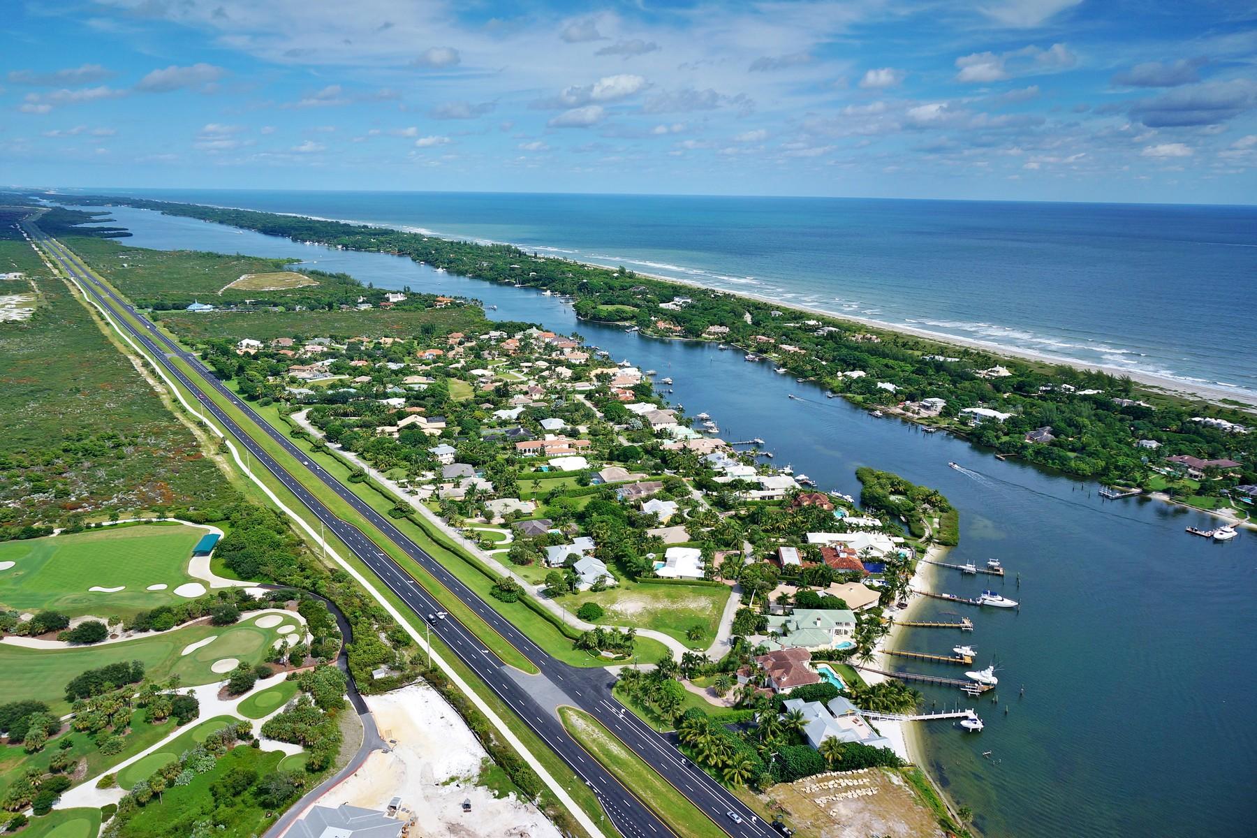 Nhà ở một gia đình vì Bán tại 11842 SE Tiffany Way Rolling Hills, Tequesta, Florida 33469 Hoa Kỳ