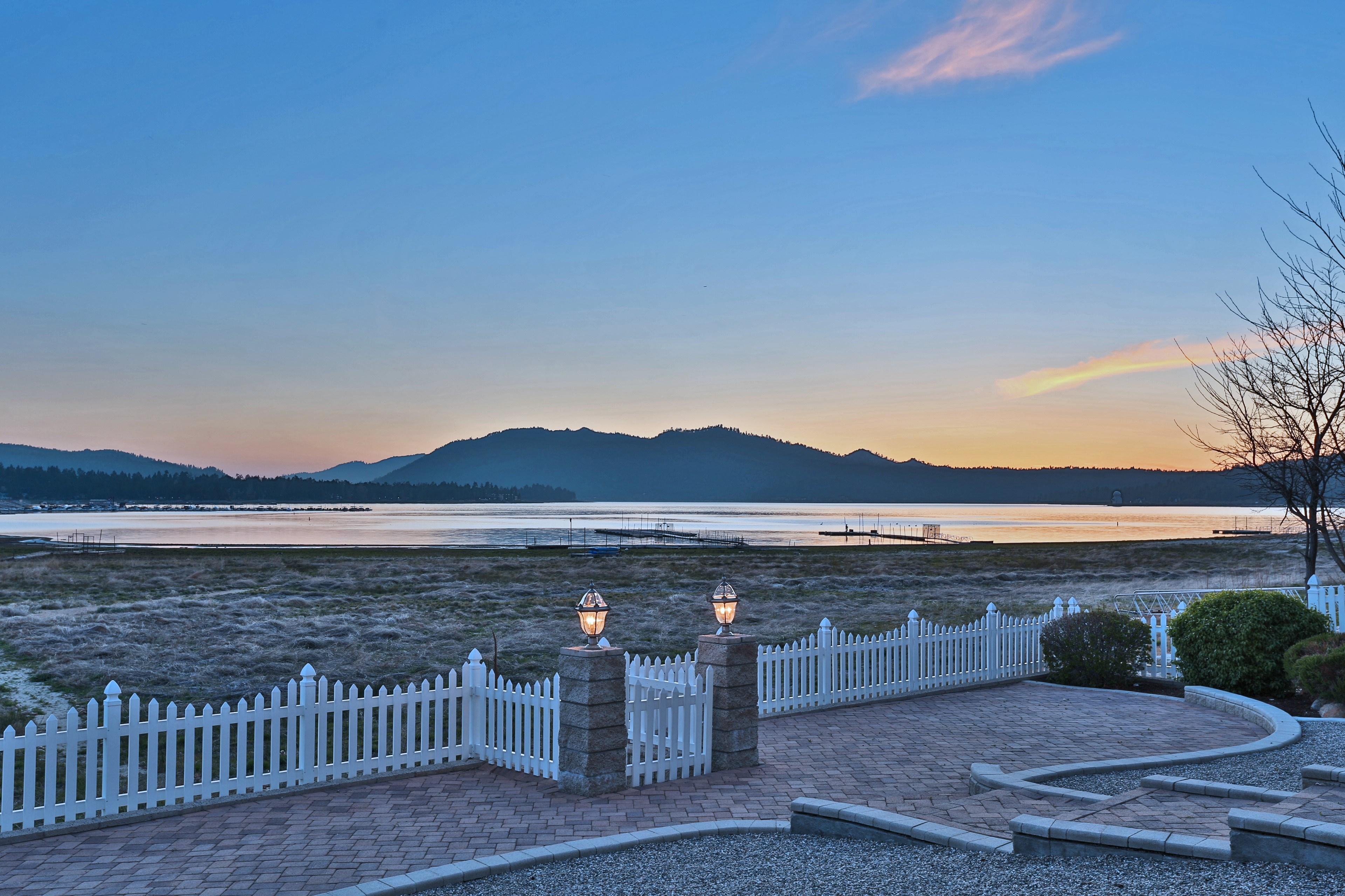 Villa per Vendita alle ore 138 Eagle Big Bear Lake, California, 92315 Stati Uniti