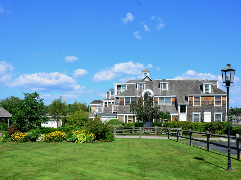 Condominium for Sale at 15 Christensen Lane A1 15 Christensen Lane A1 Kennebunk, Maine 04043 United States