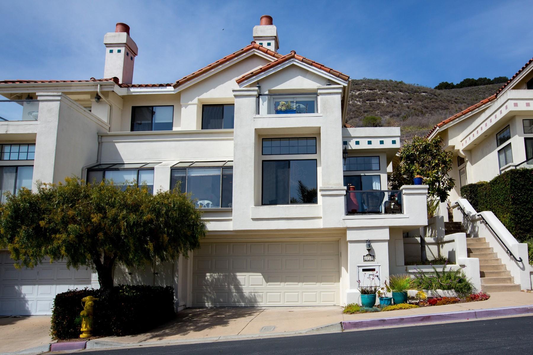 Maison de Ville pour l Vente à Gated Townhome with Ocean Views 2728 Barcelona Shell Beach, Californie 93449 États-Unis