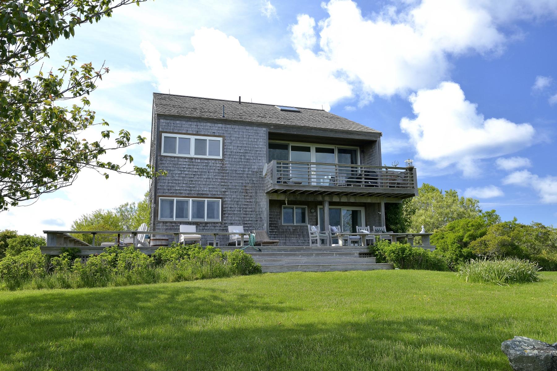 Villa per Vendita alle ore Gorgeous Unobstructed Water Views! 56 Squam Road 58 Squam Road Nantucket, Massachusetts, 02554 Stati Uniti