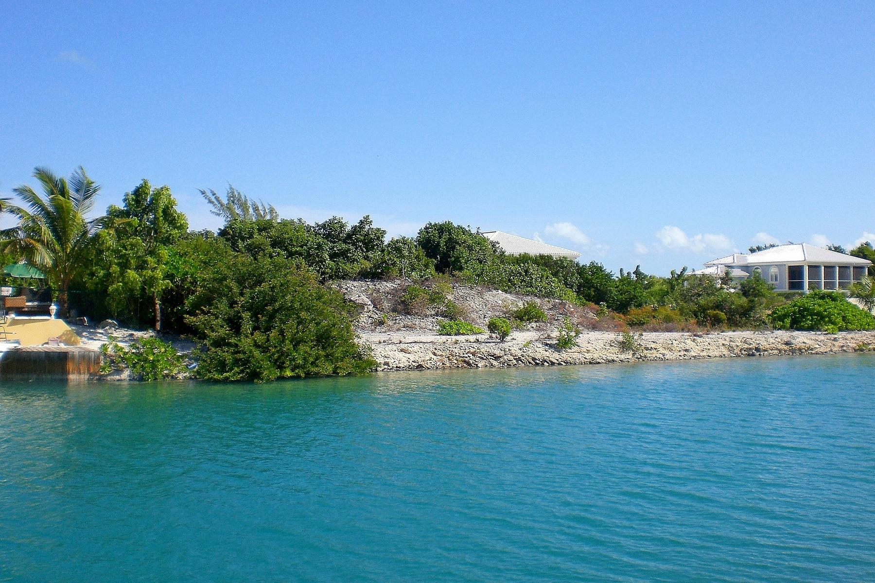 Arazi için Satış at Leeward Canal Front Lot Leeward, Providenciales, TC Turks Ve Caicos Adalari