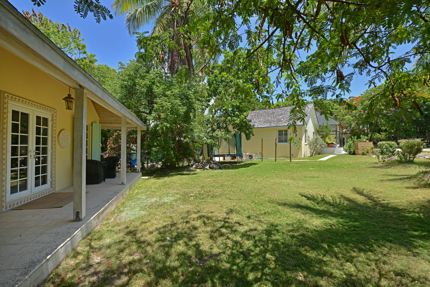 Additional photo for property listing at Sweet Breeze Camperdown Heights, Eastern Road, New Providence/Nassau Bahamas