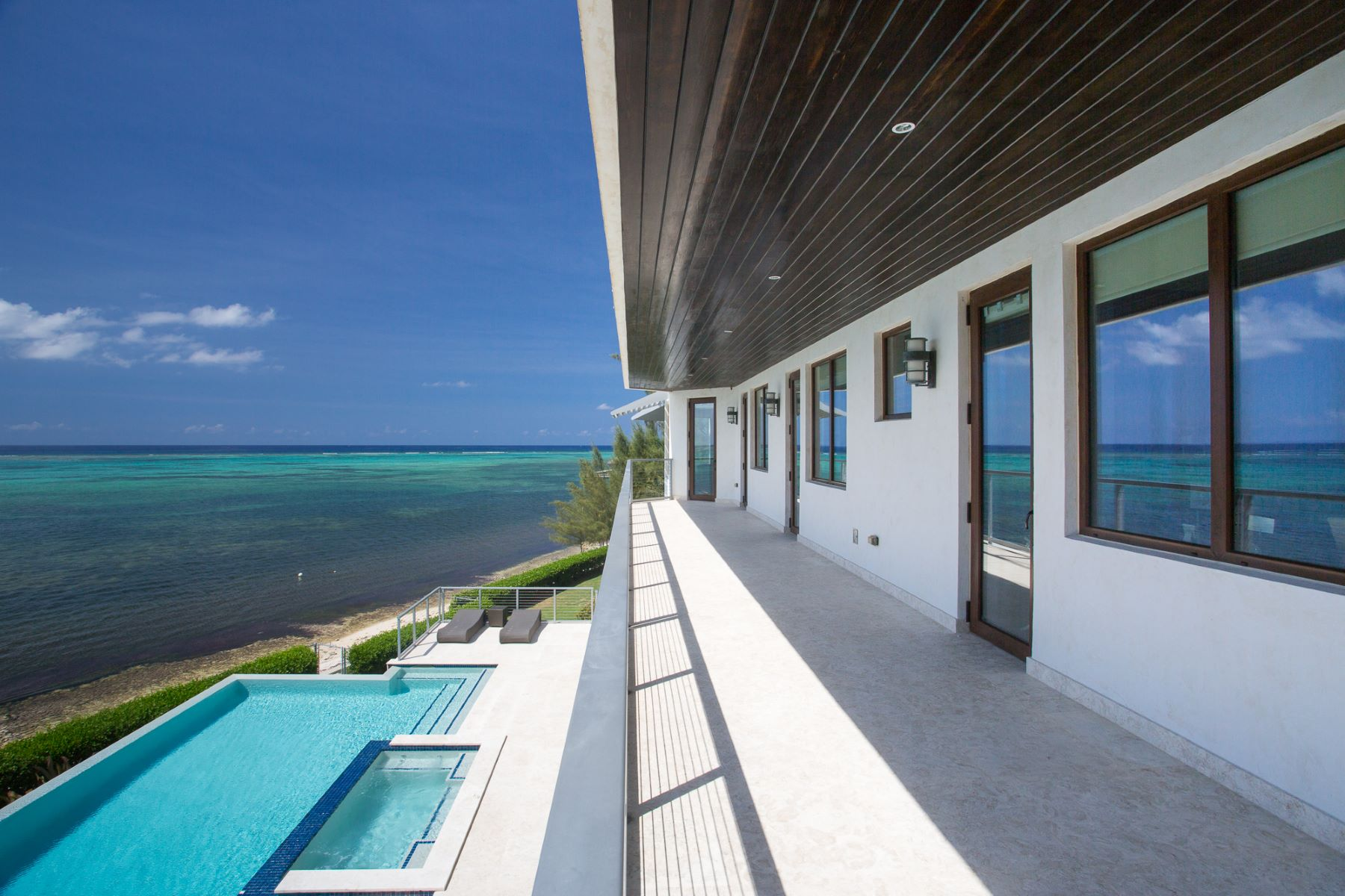 Additional photo for property listing at Barco a la Vista 800 South Sound Road South Sound,  CARIBBEAN Cayman Islands
