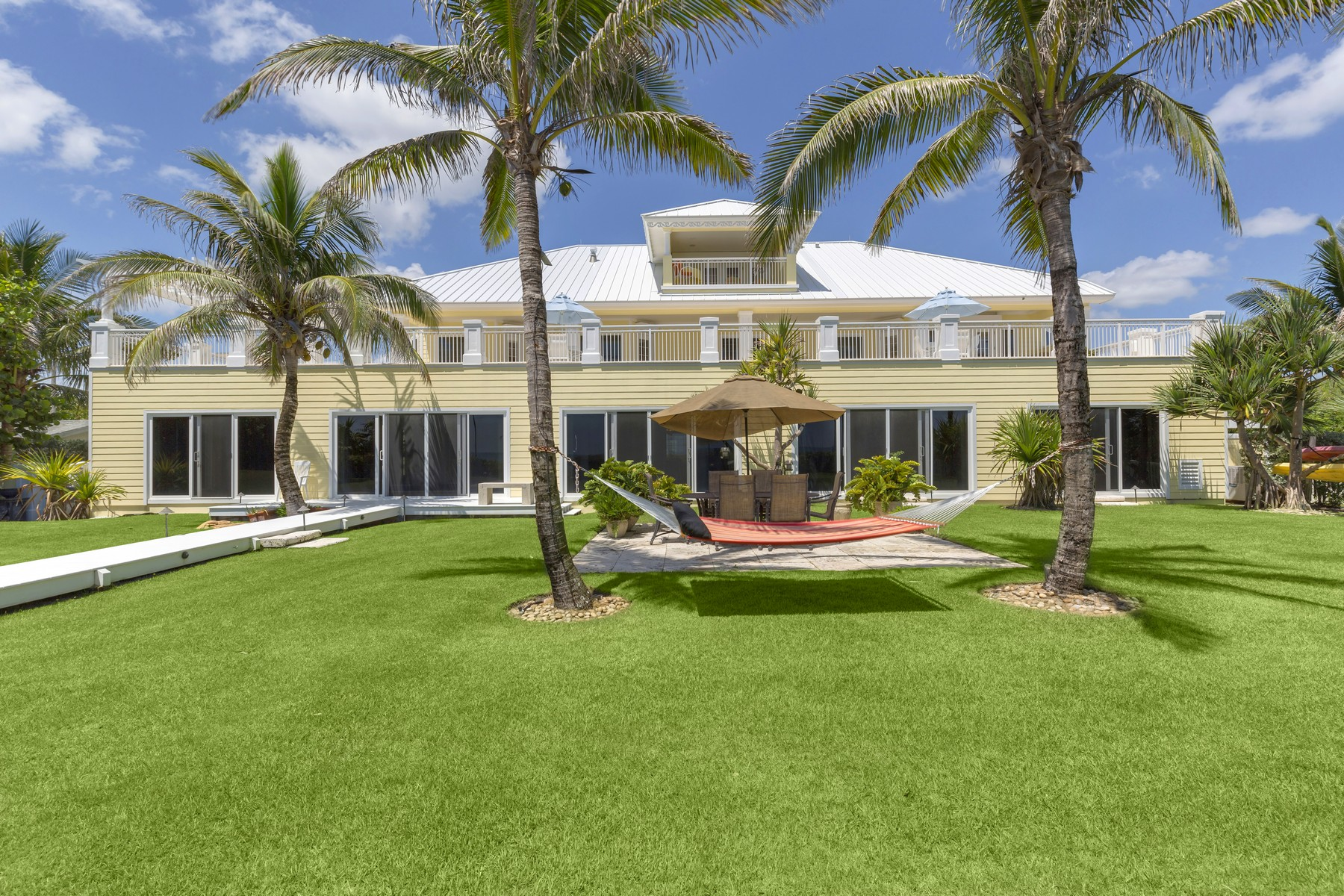 Additional photo for property listing at Oceanfront estate in Tropical Setting 5045 Highway A1A Melbourne Beach, Florida 32951 United States