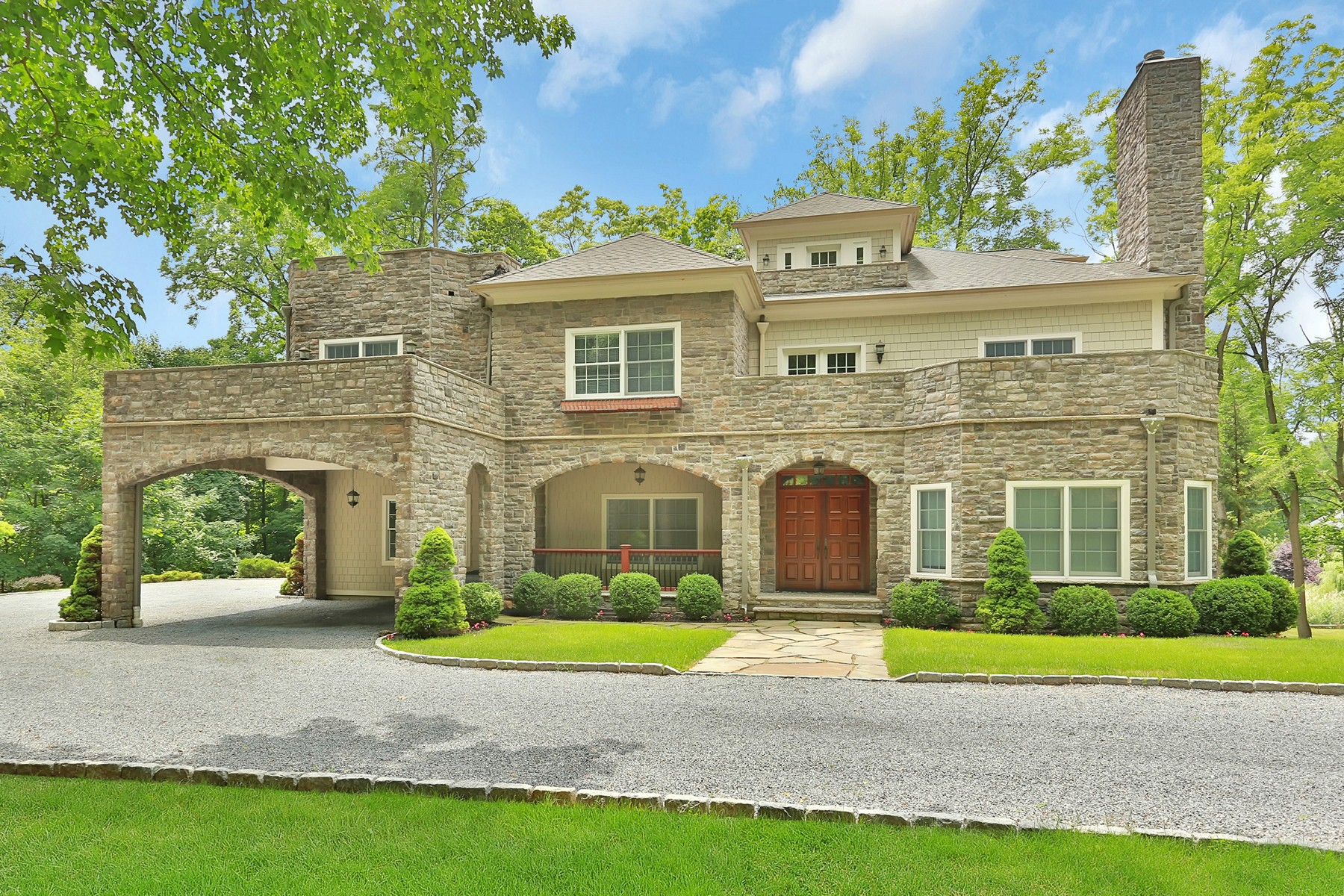 Single Family Home for Rent at Extraordinary and Gracious 100 North Old Post Rd Croton On Hudson, New York 10520 United States