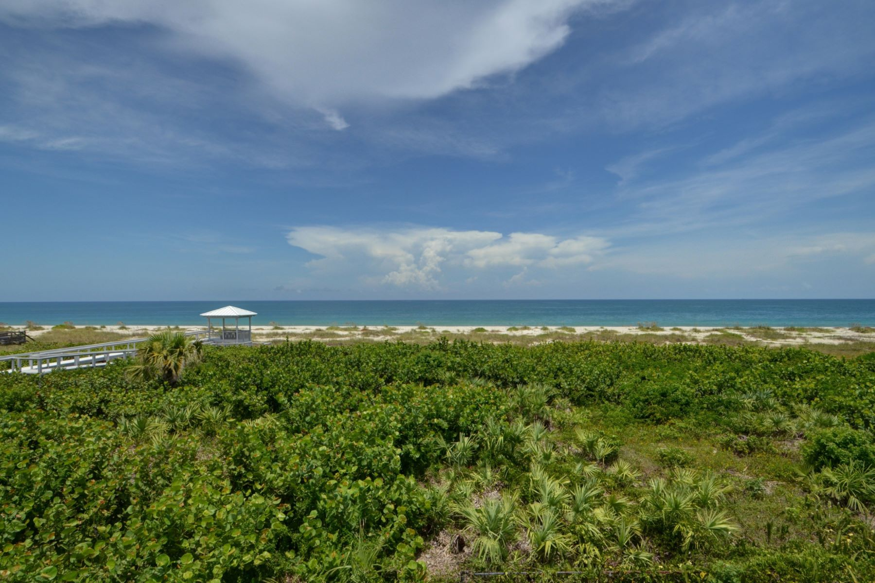 Additional photo for property listing at Oceanfront Estate Home 820 Crescent Beach Road Vero Beach, Florida 32963 United States