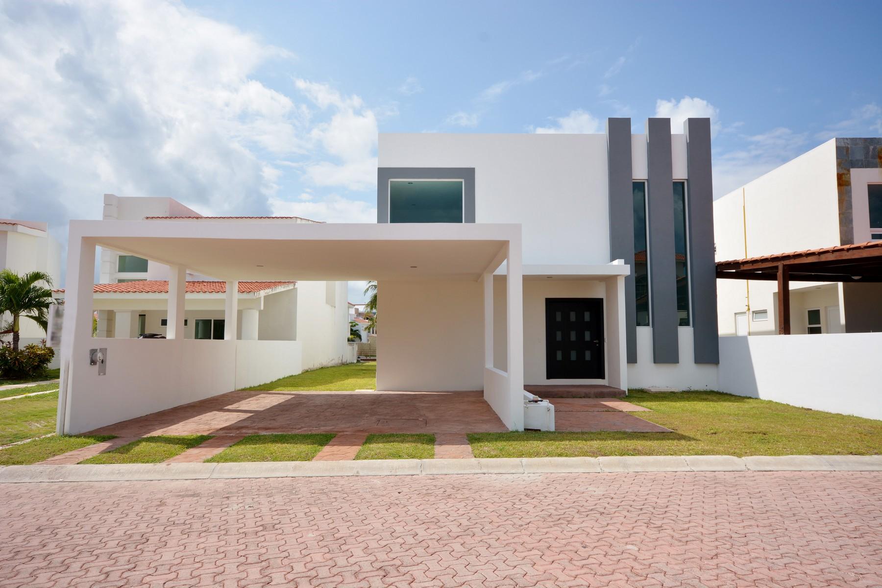 Частный односемейный дом для того Продажа на CASA CONTEMPO Cancun, Quintana Roo, Мексика