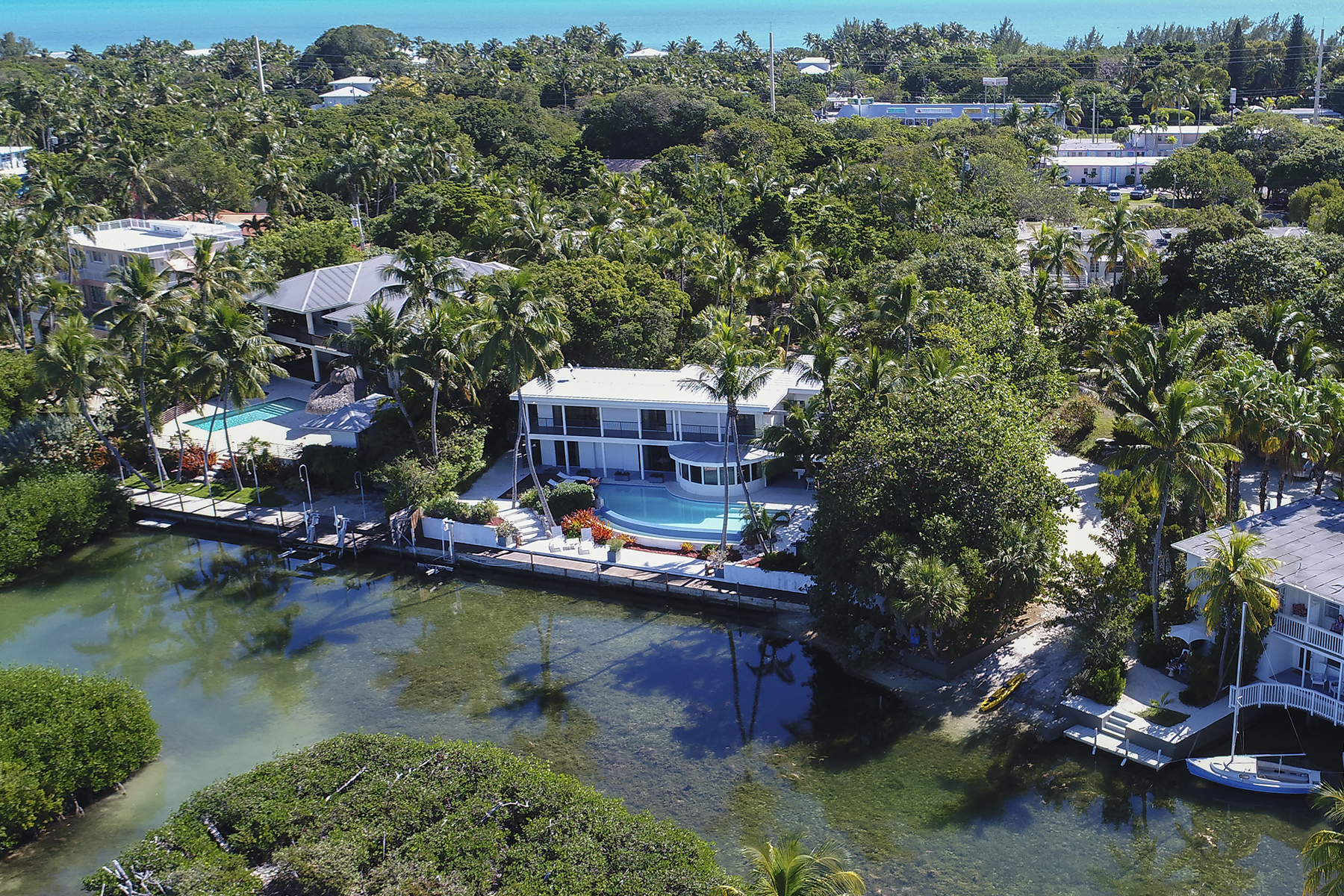 Additional photo for property listing at Iconic Bayfront Estate 140 Madeira Road Islamorada, 佛羅里達州 33036 美國