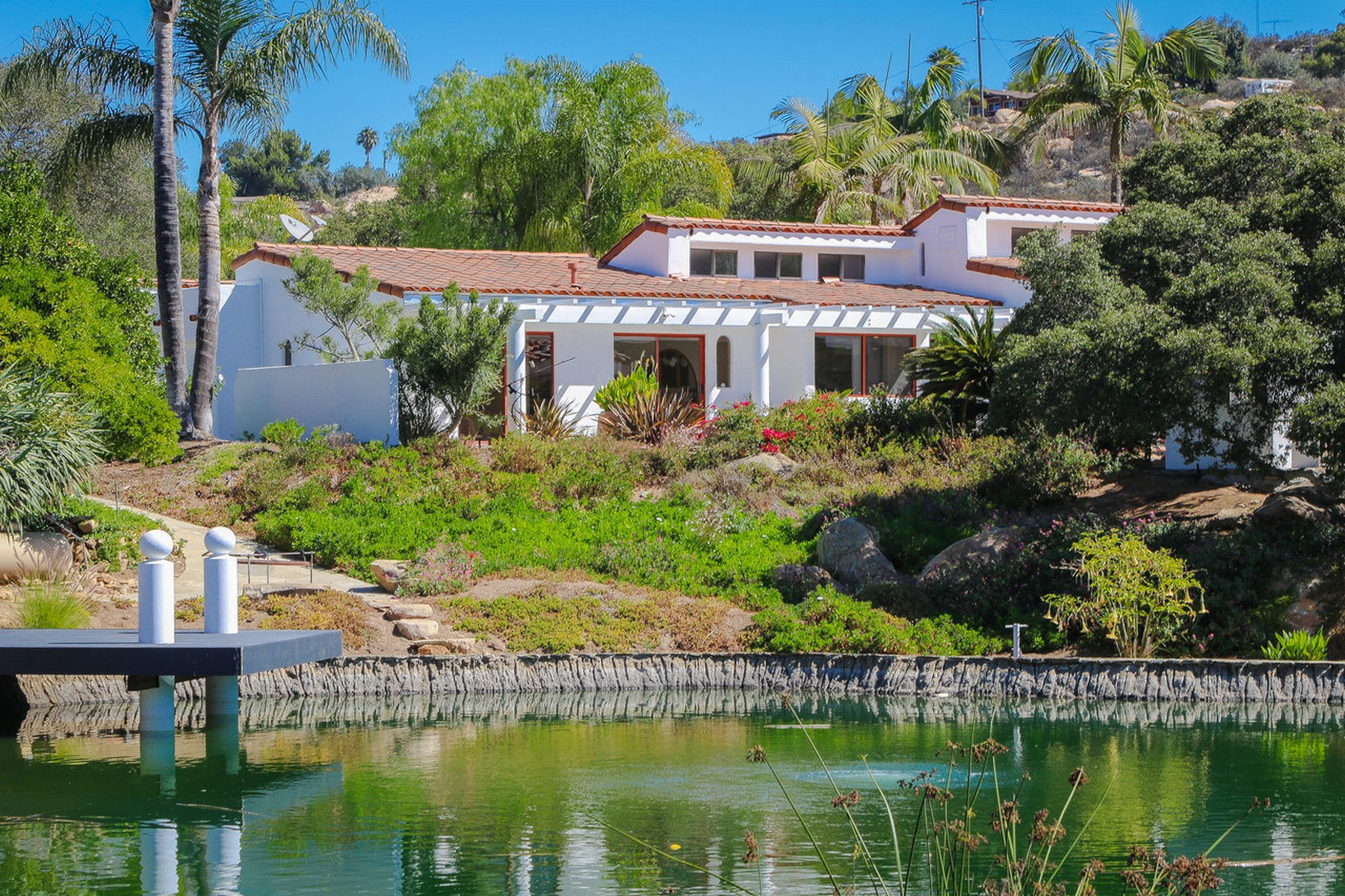 Single Family Home for Sale at 38474 Rainbow Peaks Road Fallbrook, California 92028 United States