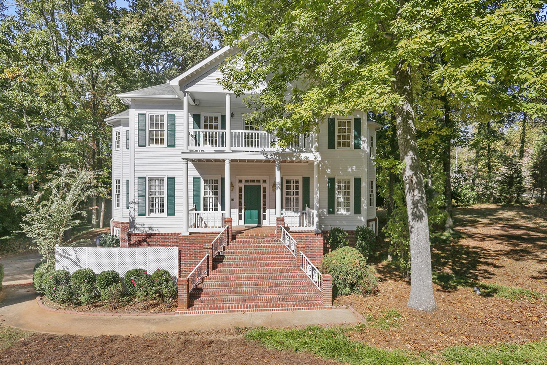 独户住宅 为 销售 在 Gorgeous Antebellum Reproduction 101 Old Mountain Road 保德河, 乔治亚州, 30127 美国