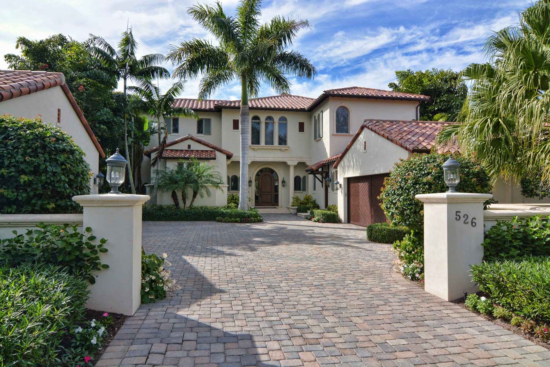 Maison unifamiliale pour l Vente à 526 Bald Eagle Drive at Trump National 526 Bald Eagle Drive Jupiter, Florida 33477 États-Unis