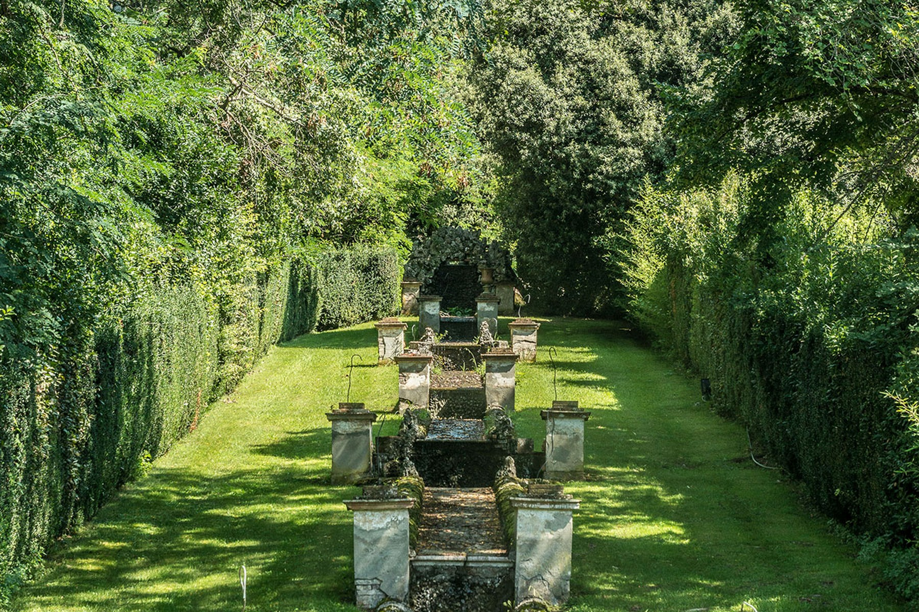 Additional photo for property listing at Incomparable villa historique dans la campagne de Lucca Lucca, Lucca Italie