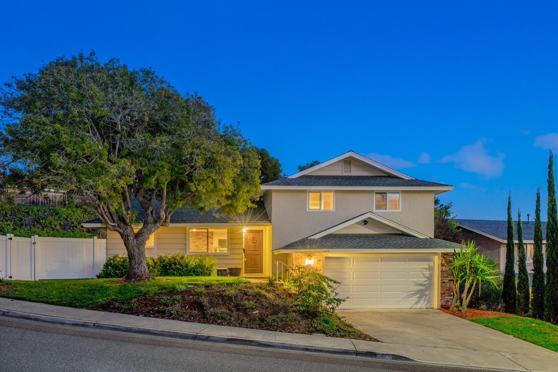 Casa para uma família para Venda às 3333 Yucca Bay Ho, San Diego, Califórnia, 92117 Estados Unidos