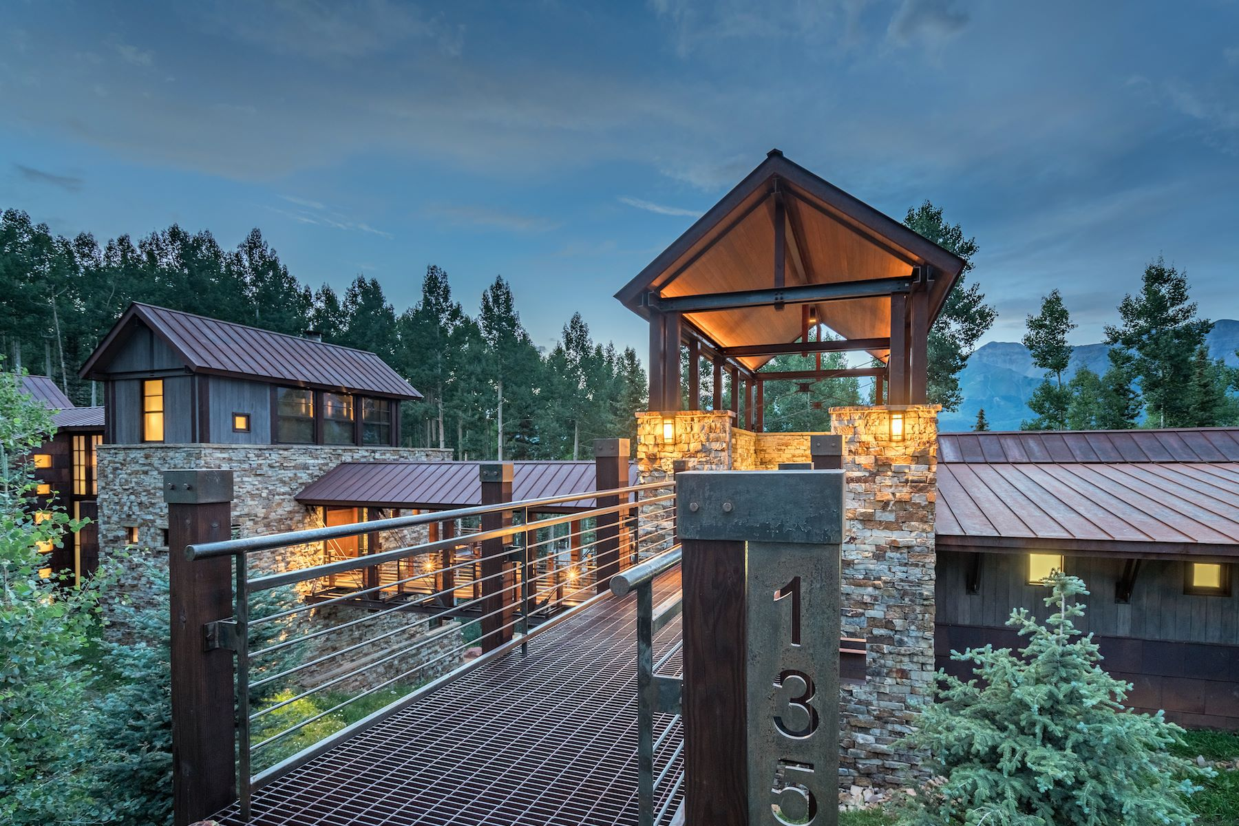 Vivienda unifamiliar por un Venta en The Bridge House 135 Palmyra Drive Telluride, Colorado, 81435 Estados Unidos