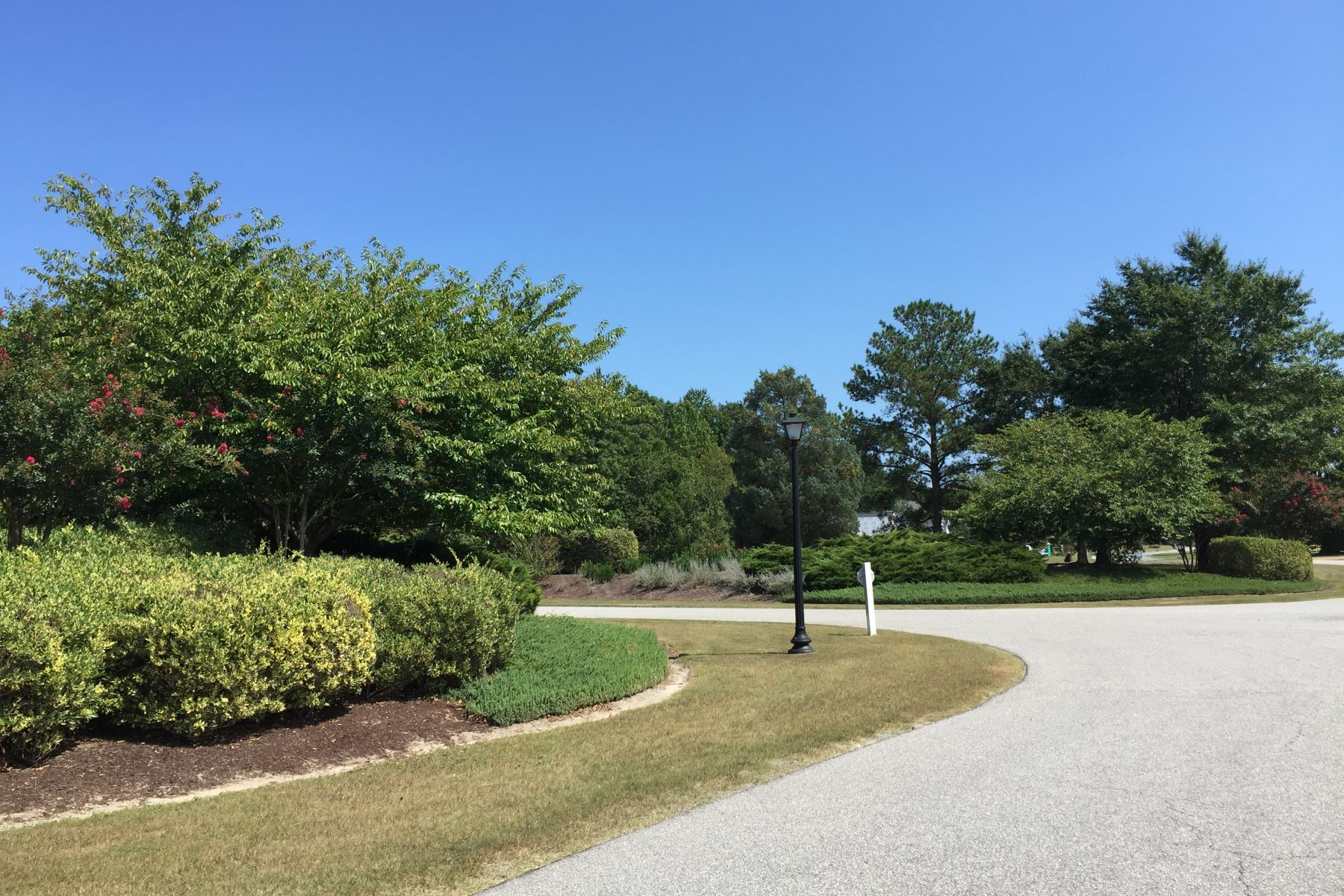 Additional photo for property listing at LAKEFRONT HOMESITE 113 Schooner Landing Dr Edenton, Carolina Du Nord 27932 États-Unis