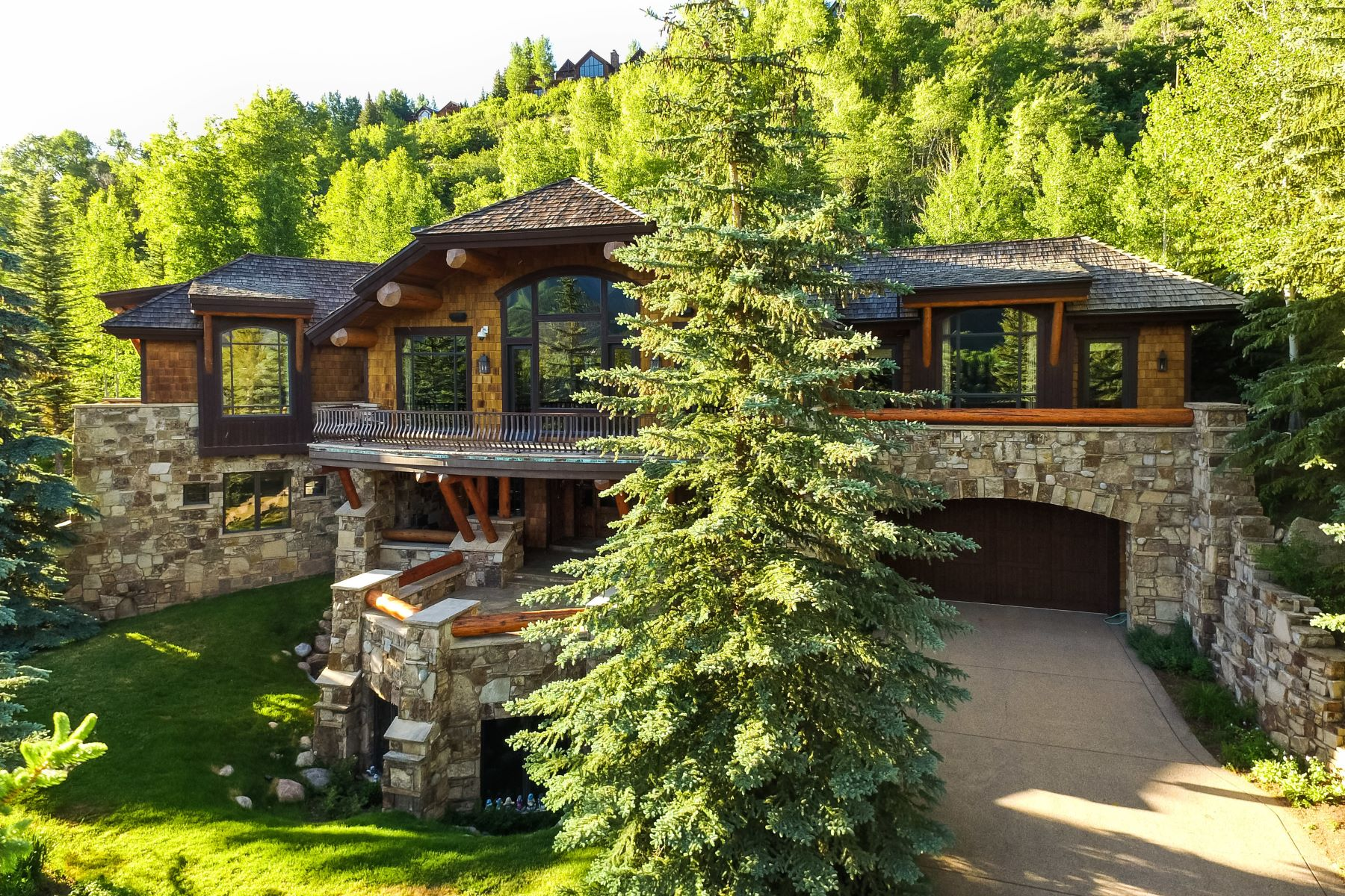 Maison unifamiliale pour l Vente à Prestigious Willoughby Way 247 Willoughby Way Aspen, Colorado, 81611 États-Unis