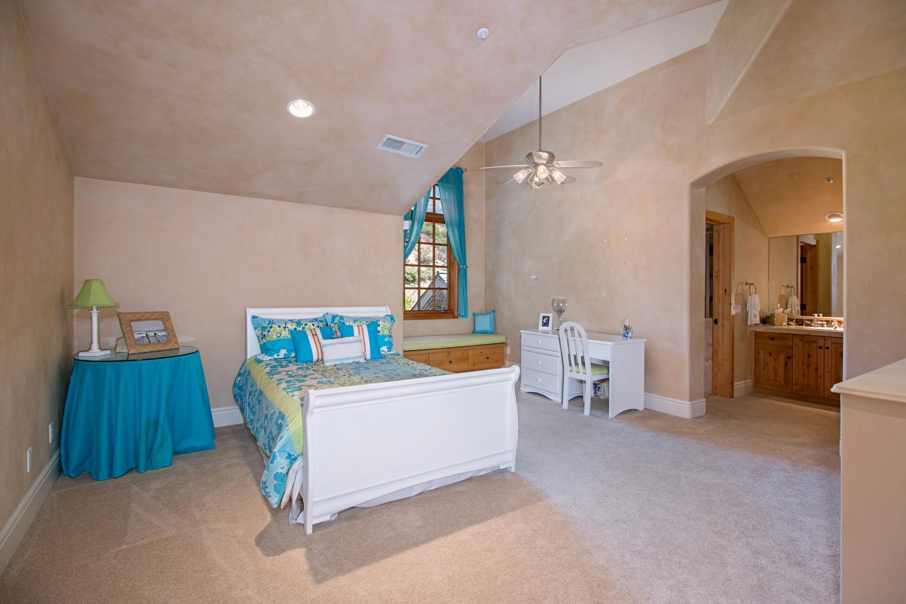 Additional photo for property listing at 14360 Cascade Crossing  Poway, Калифорния 92064 Соединенные Штаты