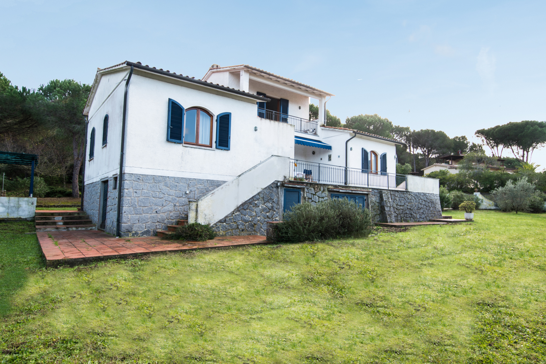Additional photo for property listing at Detached villa nestled within fenced garden Via di Campo all'Aia Marciana, Livorno 57033 Italy
