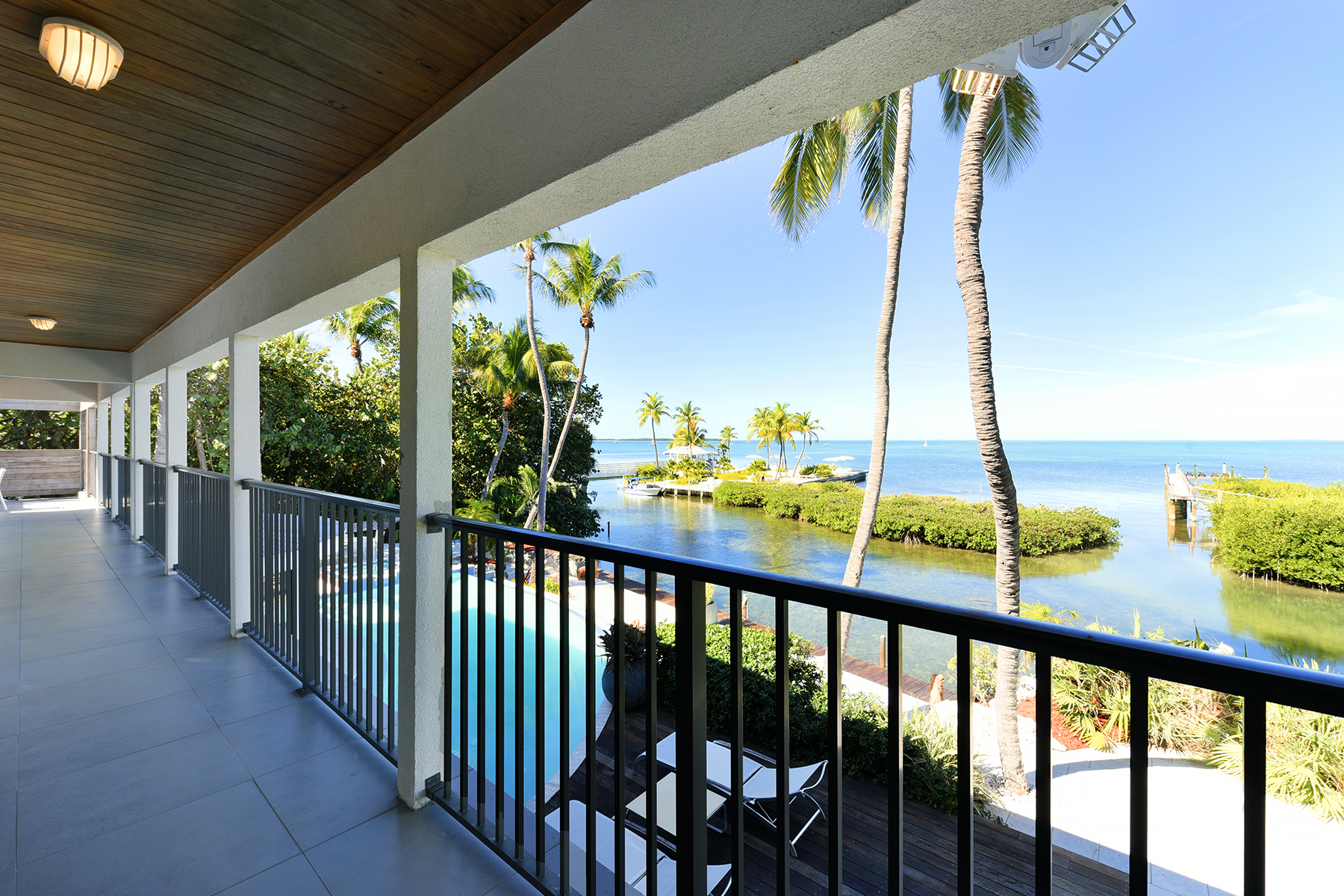 Additional photo for property listing at Iconic Bayfront Estate 140 Madeira Road Islamorada, Florida 33036 Estados Unidos