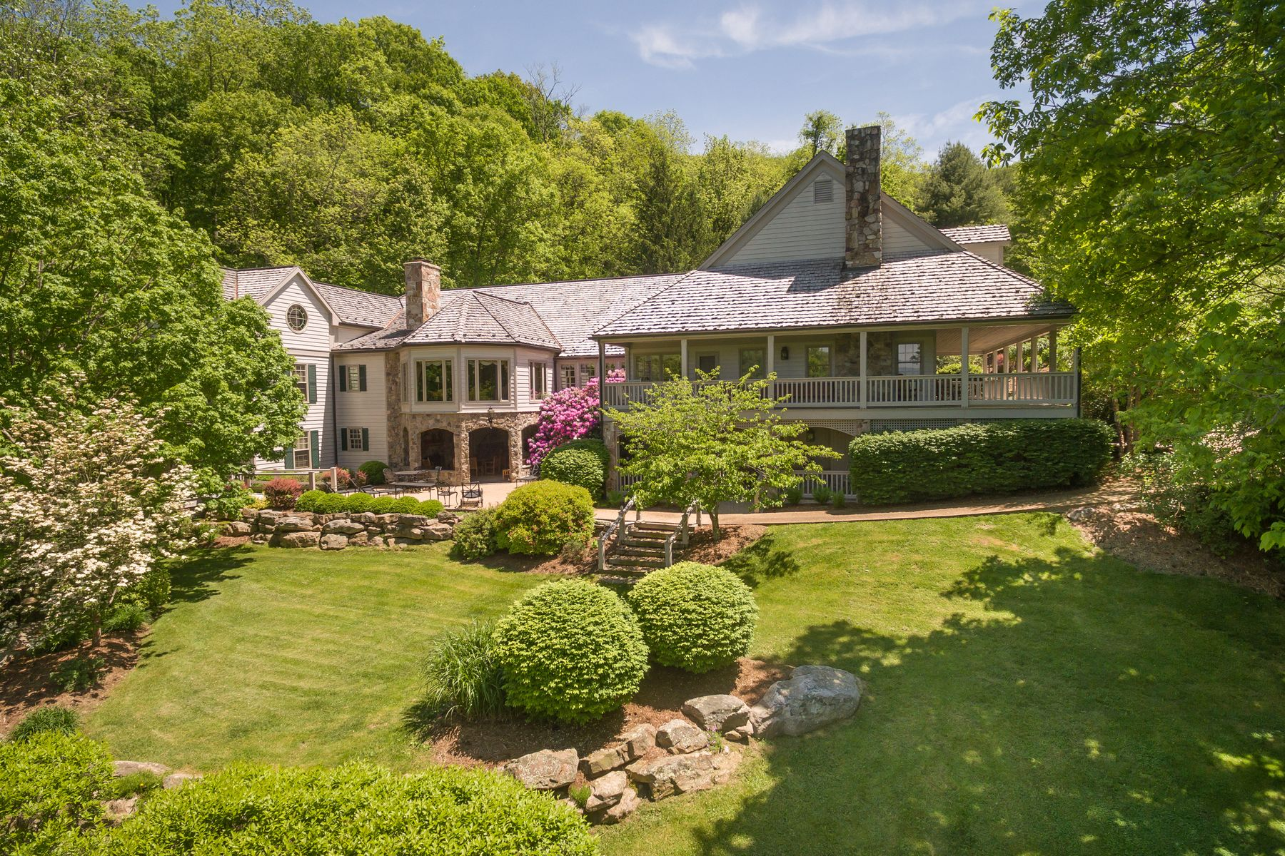 Single Family Home for Sale at Threave House 229 WOODSIDE LN Warm Springs, Virginia 24484 United States