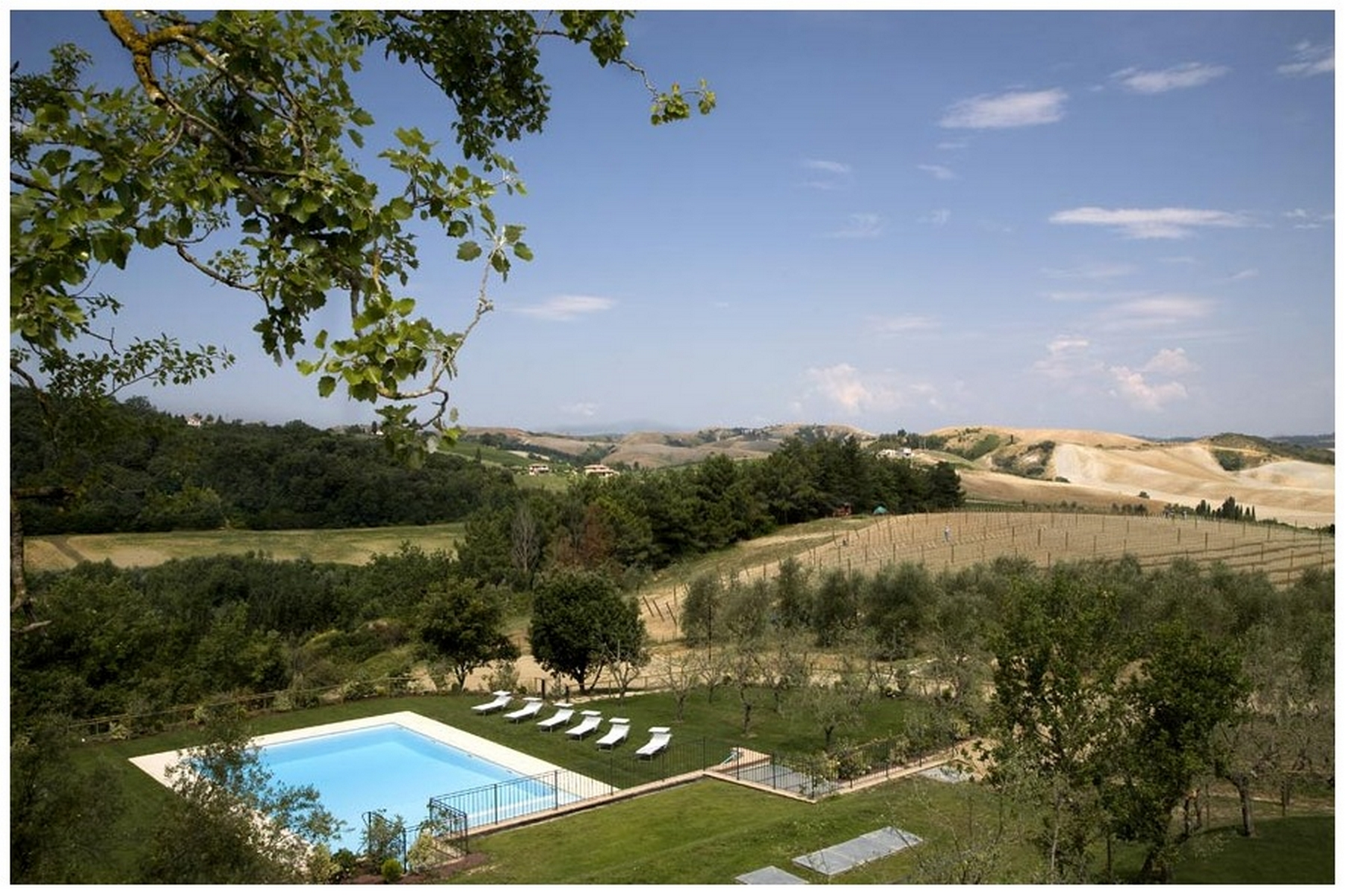 Additional photo for property listing at Tuscan Hamlet Via della Meliana Gambassi Terme, Florence 50050 Italie