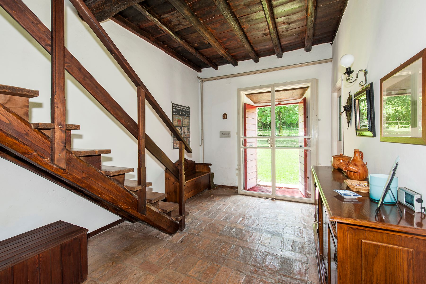 Additional photo for property listing at Beautiful farmhouse near Orte Orte, Viterbo Italia