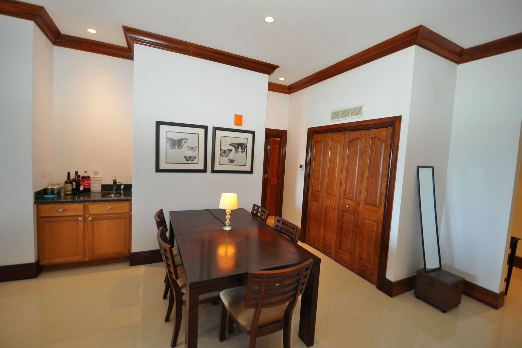 Additional photo for property listing at Caves Heights Caves Heights, West Bay Street, Nassau And Paradise Island Bahamas