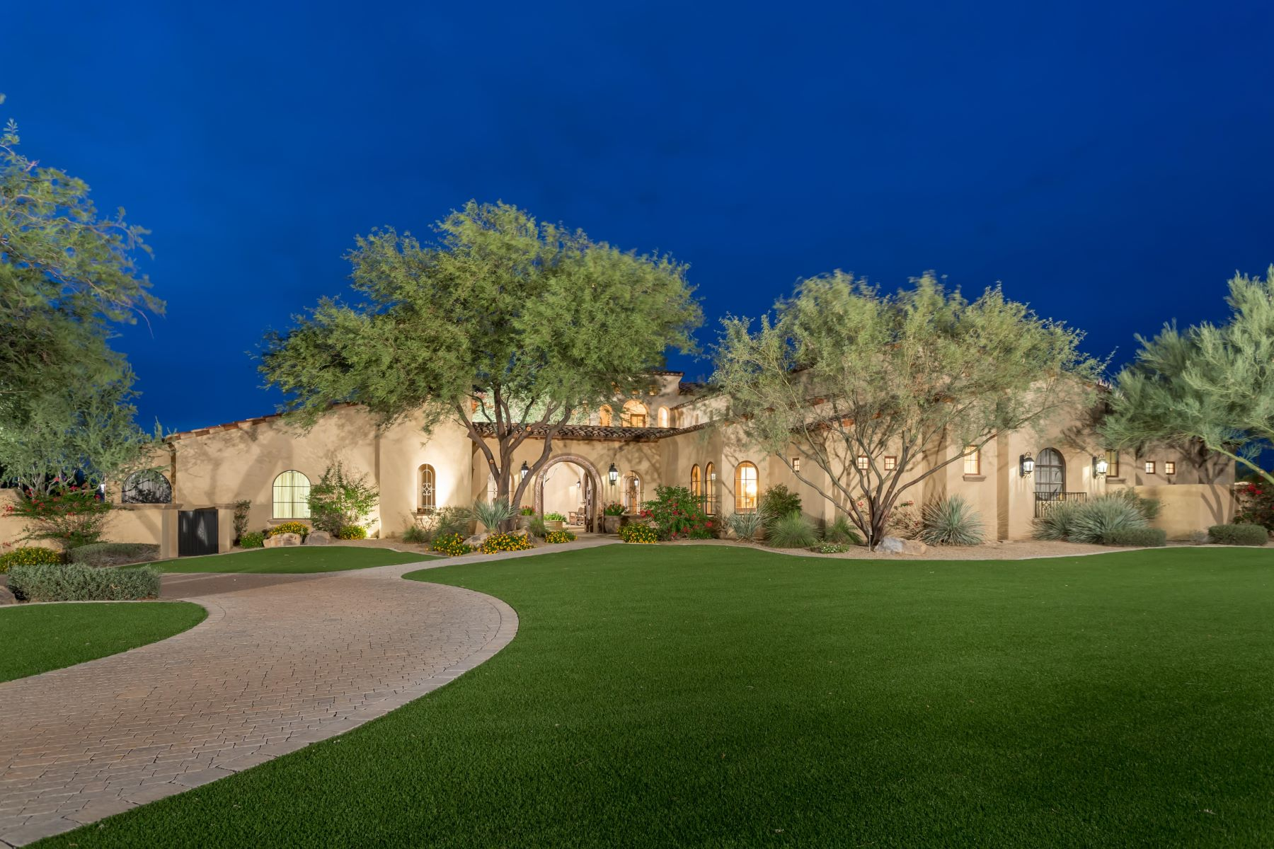 Single Family Home for Sale at Exclusive Estate Living Surrounded by sprawling mountains 24546 N 91st St Scottsdale, Arizona 85255 United States