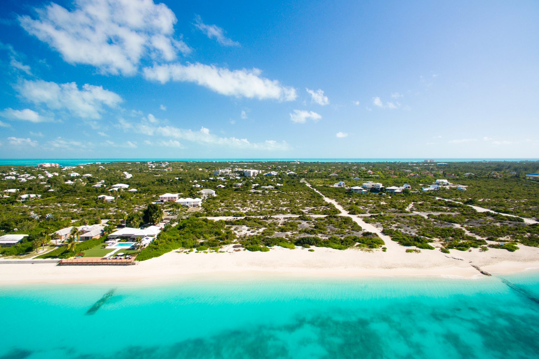 Additional photo for property listing at BEACH ENCLAVE GRACE BAY Design A Beachfront Grace Bay, Providenciales TCI Îles Turques Et Caïques