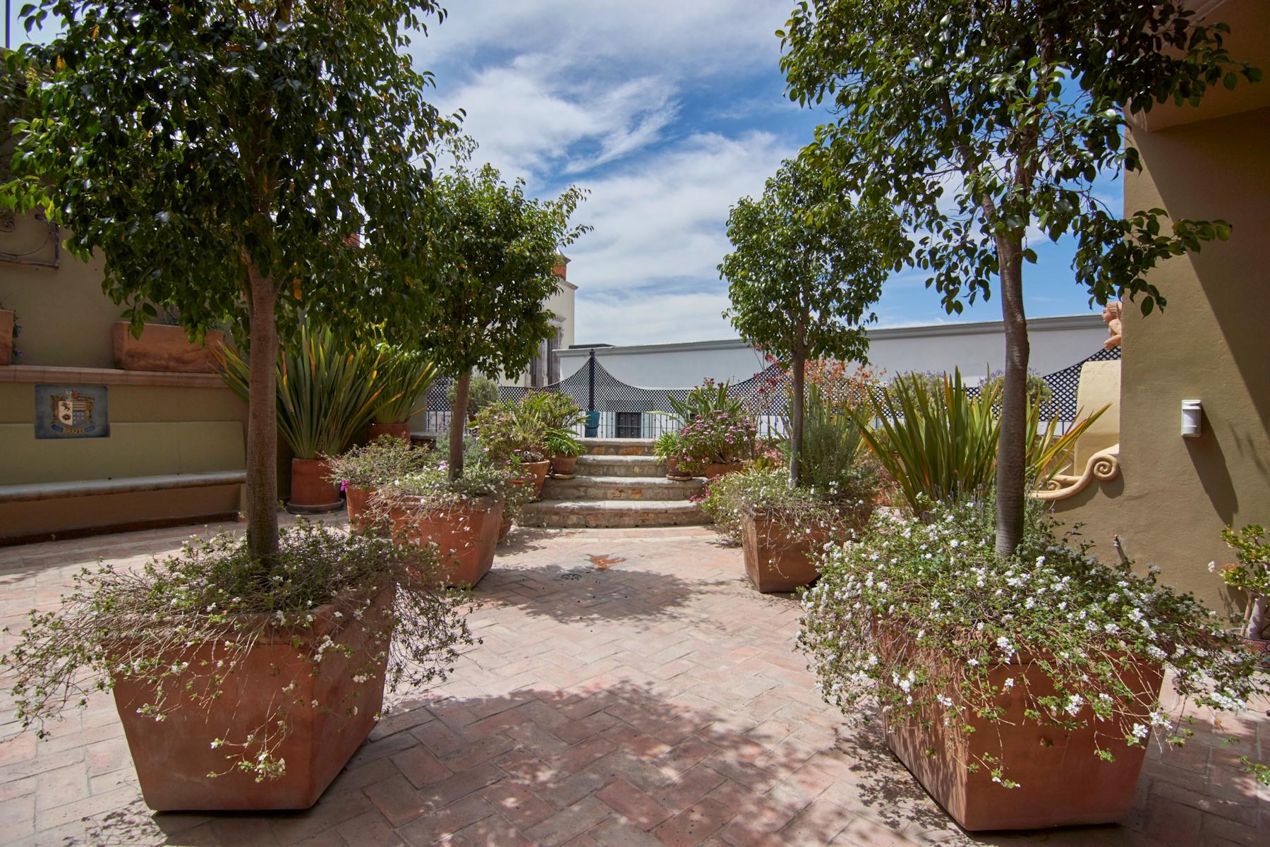 Additional photo for property listing at CASA CHEPITO Centro, San Miguel De Allende, Guanajuato Mexico