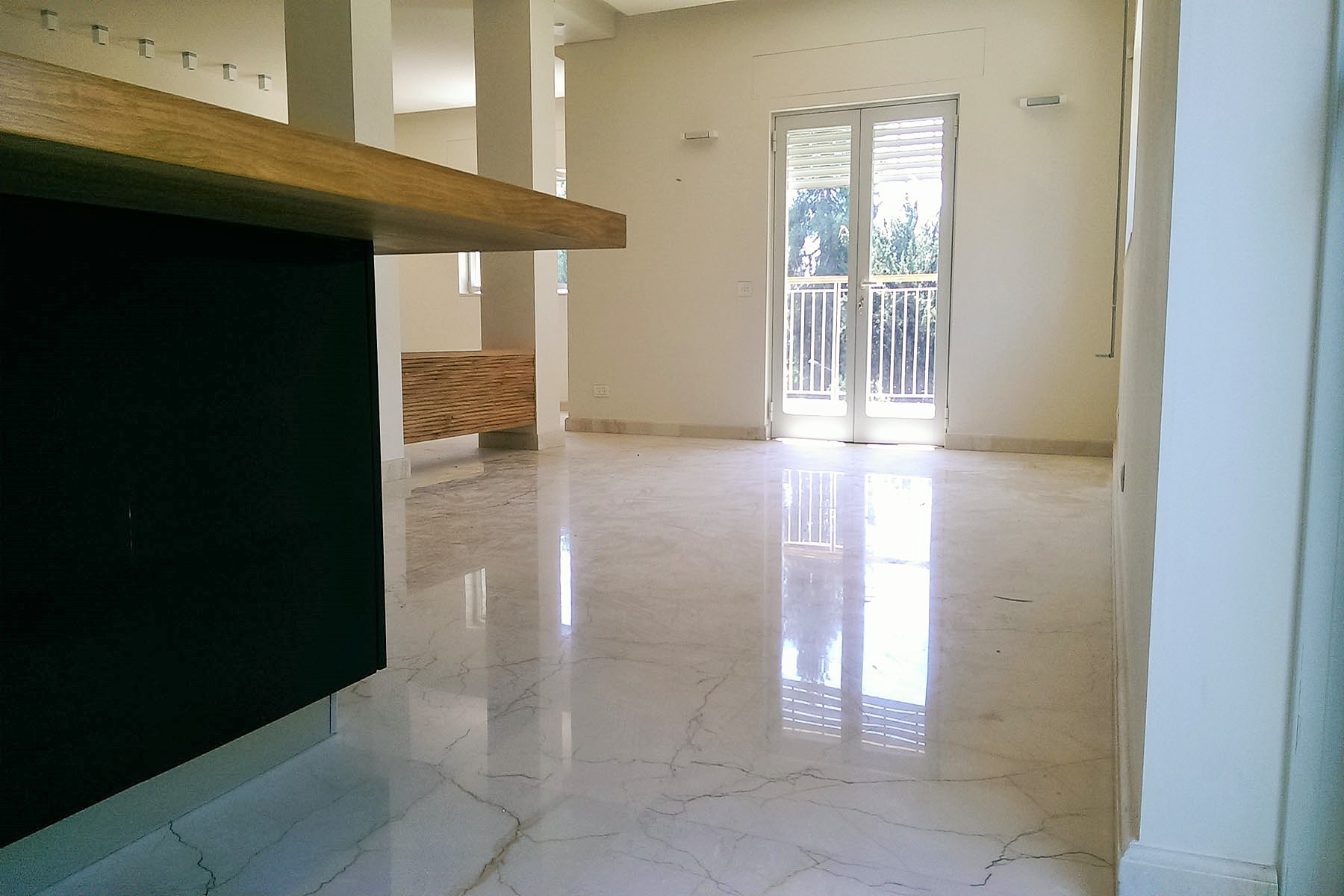 Additional photo for property listing at Elegant New Apartment in Exquisite Neighborhood Jerusalem, Israel Israel