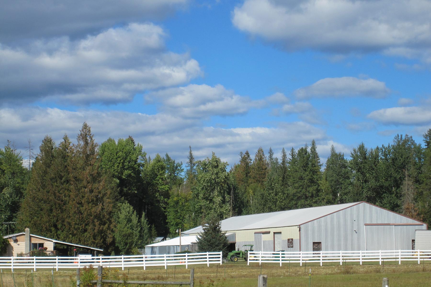 Einfamilienhaus für Verkauf beim Gypo Meadow horse boarding 951 Shingle Mill Road Sandpoint, Idaho, 83864 Vereinigte Staaten