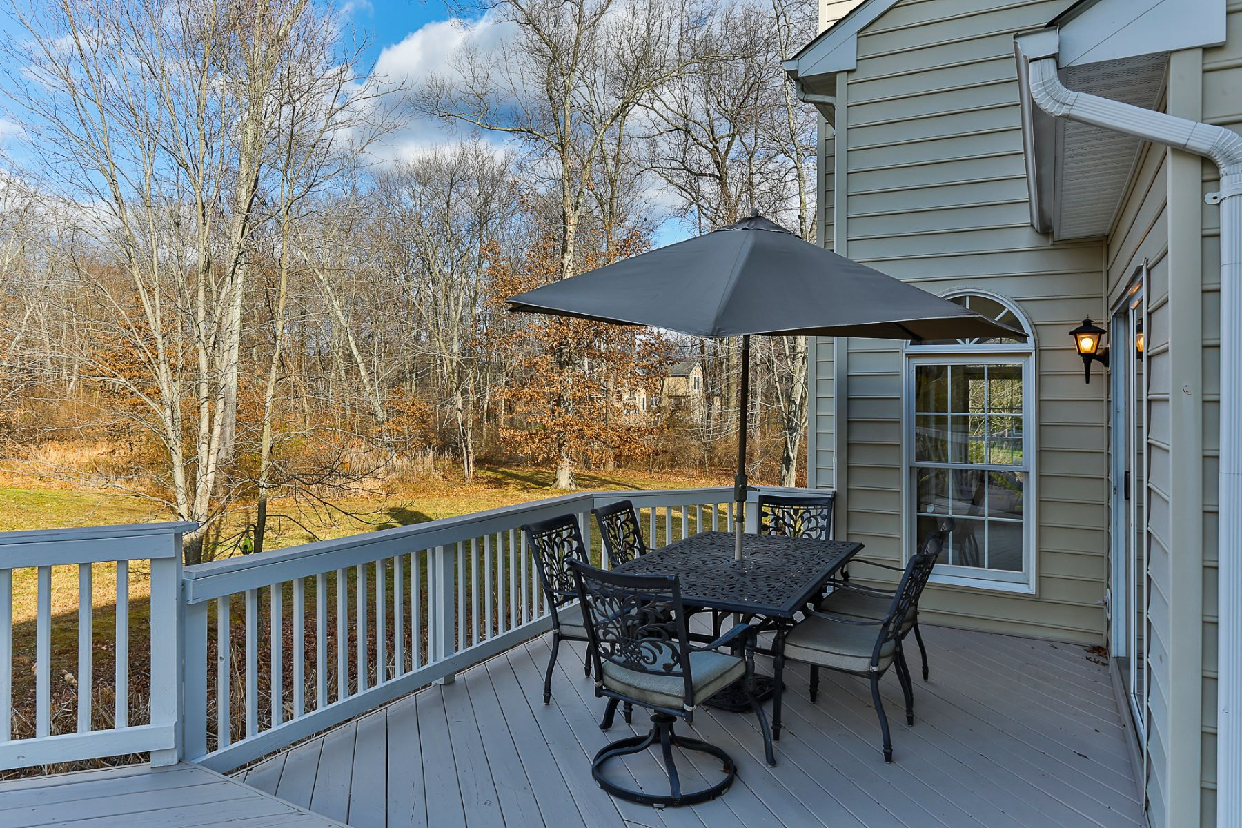 Additional photo for property listing at Shows Like a Model Home!  - Lawrence Township 14 Belleview Terrace Princeton, New Jersey 08540 États-Unis