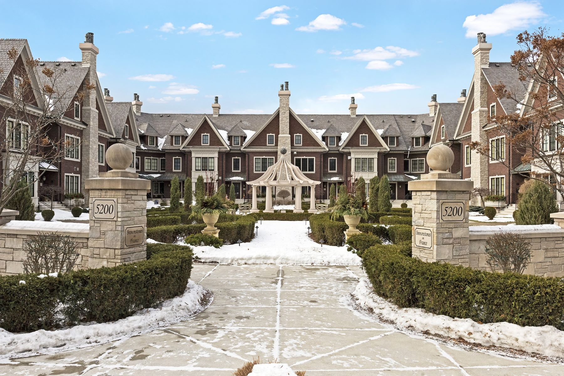 Townhouse for Sale at 5200 France Ave S #30 Edina, Minnesota, 55410 United States